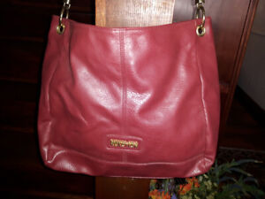 KENNETH COLE REACTION BURGUNDY HANDBAG/TOTE - HIGH QUALITY