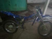 2000 TTR 125L Bike for parts or repair. $450.
