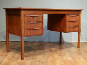 Bureau scandinave en teck / Scandinavian teak desk / Mid century