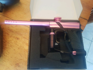 E1 paintball gun