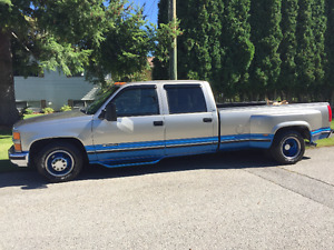 1998 Chevrolet 3500 - 1 Ton Dually  Truck