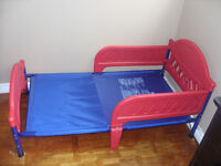 TODDLER BED (includes mattress!!!)