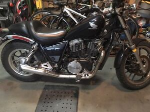 *URGENT* Honda shadow 700cc 1984