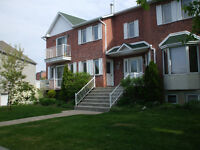 Detached - Triplex - 15 min to Montreal City Centre (Brossard)