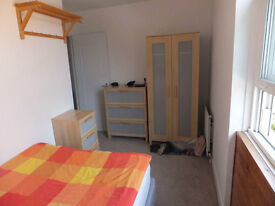 Double room in great house, minutes from Balham tube