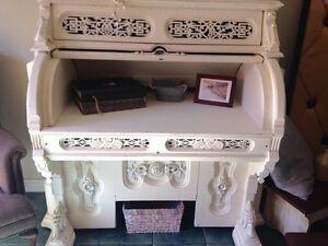 Beautiful white desk  Cambridge Kitchener Area image 4