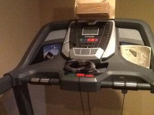 Treadmill Horizon CT5.4 great shape hardly used