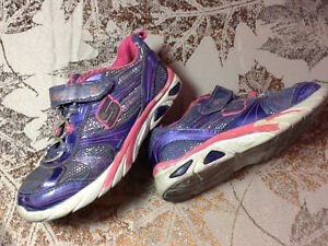 Toddler size 10 Skechers Kingston Kingston Area image 1