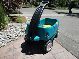 Step 2 Green Wagon with Door and seats..... works great Kitchener / Waterloo Kitchener Area image 2