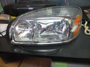 2005 Buick Uplander Head Lamps