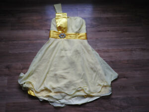 NEVER WORN yellow dress - size 12 / Large (Paid $60 + only $30!