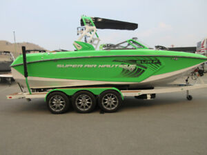 2017 Nautique Super Air G23 - Loaded H6 450 with only 115 hours!
