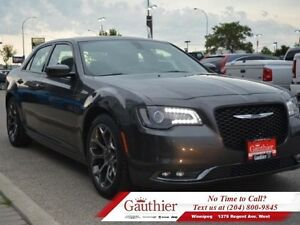 2016 Chrysler 300 S w/Panoramic Sunroof *LOCAL*