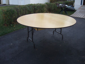 6 FT Round table with folding leg's ( and more stuff )