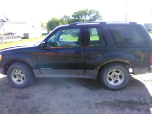 2001 Ford Explorer 2 door v6 4x4