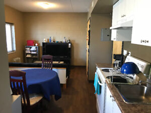 1 Bedroom Appt–2 min walk to campus–Utilities/Internet Included