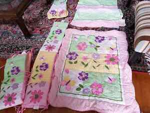 Girl crib comforter set