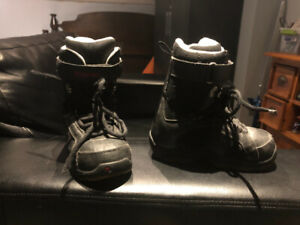 Hardly used Burton youth size 3 snowboard boots