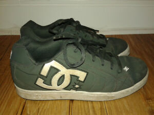 DC Men's Shoes Size 9.5