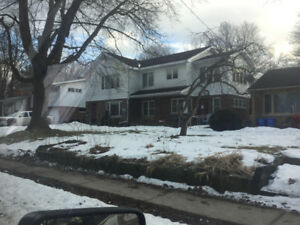 3 Bedroom upper level for rent $1,600.00 Plus Hydro