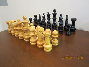 CHAMPIONSHIP WOOD CHESS PIECES
