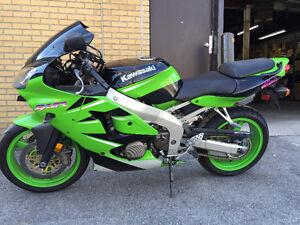 Superbe Kawasaki Ninja a vendre ****PRIX RÉDUIT****