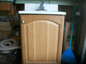mini vanity, oak comes w/taps