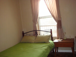 Great Safe Furnished South Windsor Room for Long-Term Rent