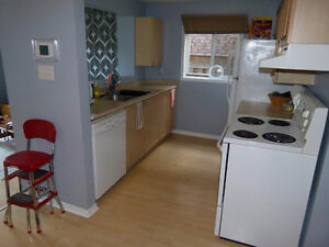 Room Available Close to Georgian College and RVH