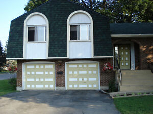 Looking for a place to stay, well furnished house, garages