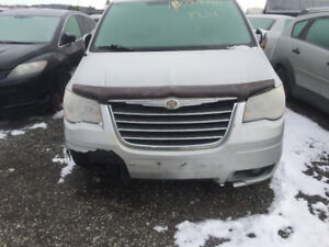2009 SILVER CHRYSLER TOWN & COUNTRY FOR PARTS