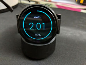 Like new Moto 360 gen 1 with metal band