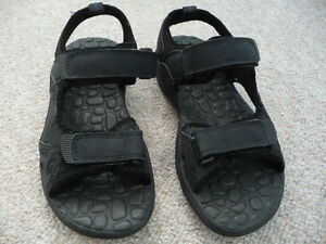 Men's Black Sandals - Suitable For Water Use - Size 8