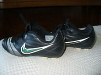 NIKE CHILD'S SOCCER CLEATS AND SHIN GUARDS