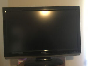 Sony TV and Blu-ray player for sale