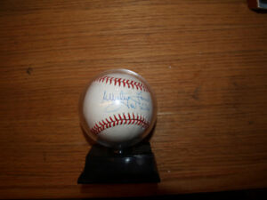 WHITEY FORD  signed  ball with 236 WINs