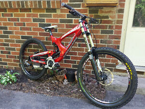 Intense M9 Downhill Bike (sell/trade)