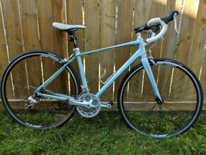 Perfect Condition 2015 Giant Avail Road Bike -- Frame size Small