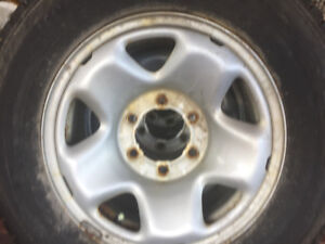 2009 Kia Sedona rims & tires