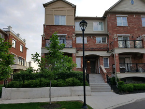 Beautiful stackable Town Home in Oakville
