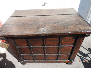 EARLY 1900's WOODEN TRUNK/CHEST FROM GERMANY