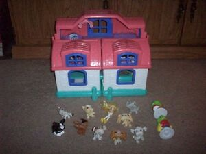 Fisher Price Little People House 1 and misc