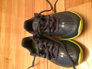 Boys sneakers - size 12/13 - Under Armour