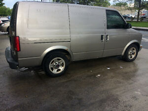 2004 GMC Safari Van