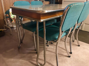Vintage Chrome Dining Table 1950's Cracked Ice Formica - $495
