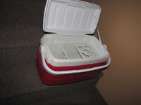 used Thermos cooler with 2 divider 8$