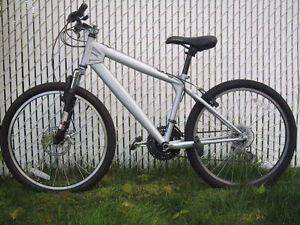 Vélo de Montagne Schwinn Mountain bike