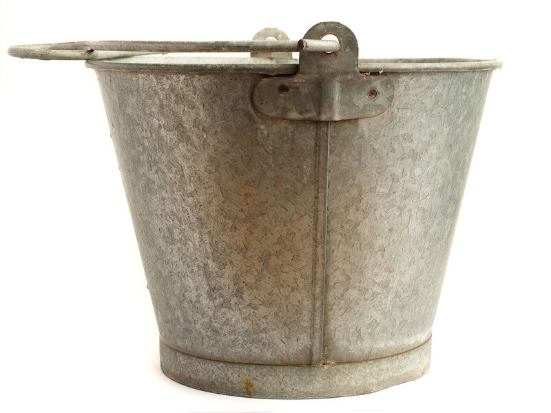 How to properly clean vintage buckets for reuse ebay for Old metal buckets