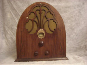 PHILCO  CATHEDRAL BABY GRAND  RADIO  1930