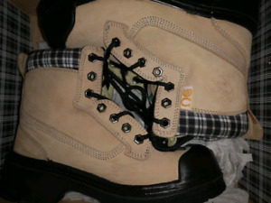 NATs Women's work boots size 6.5 never used